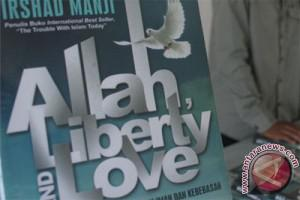 Malaysia larang peredaran buku Irshad Manji