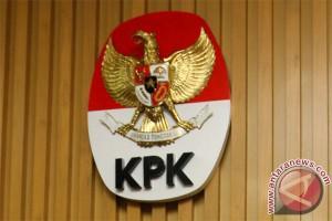 KPK periksa Menpora hampir 10 jam