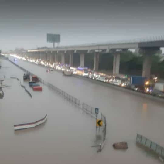 Instrospeksi Diri di Balik Banjir