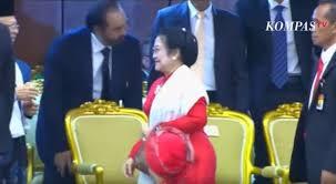 Tajamnya Mata Kamera lebih Tajam dari Silet: Ada Apa sih Antara Megawati dan Surya Paloh?
